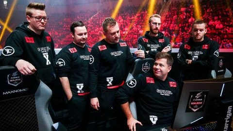 CS:GO Pros Advocate FaZe Clan In The Latest Fortnite Scandal With A