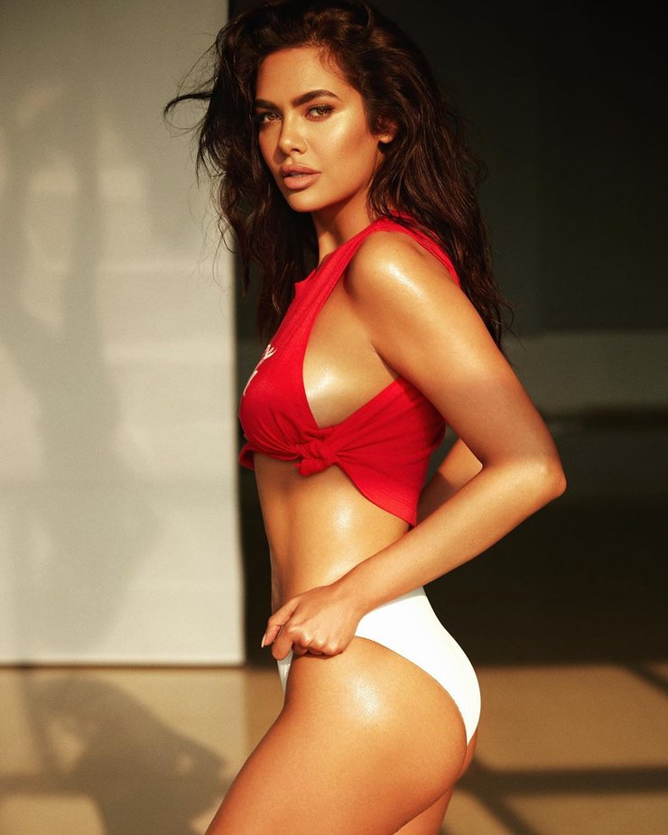 Photos esha gupta hot sexy bikini unseen photos