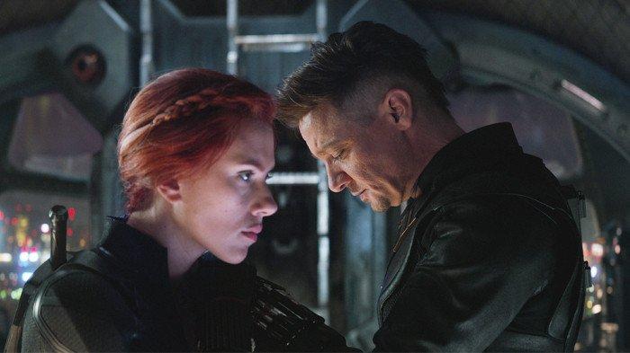 Avengers: Endgame - Hawkeye and Black Widow Key Scene Explained ...