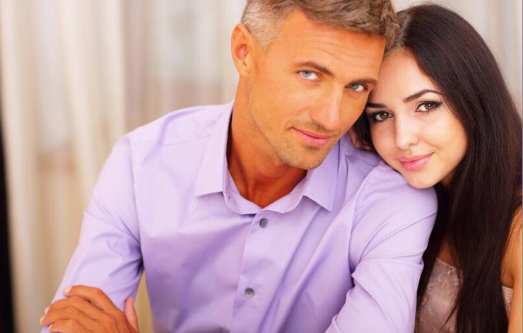 what is the normal age to start dating